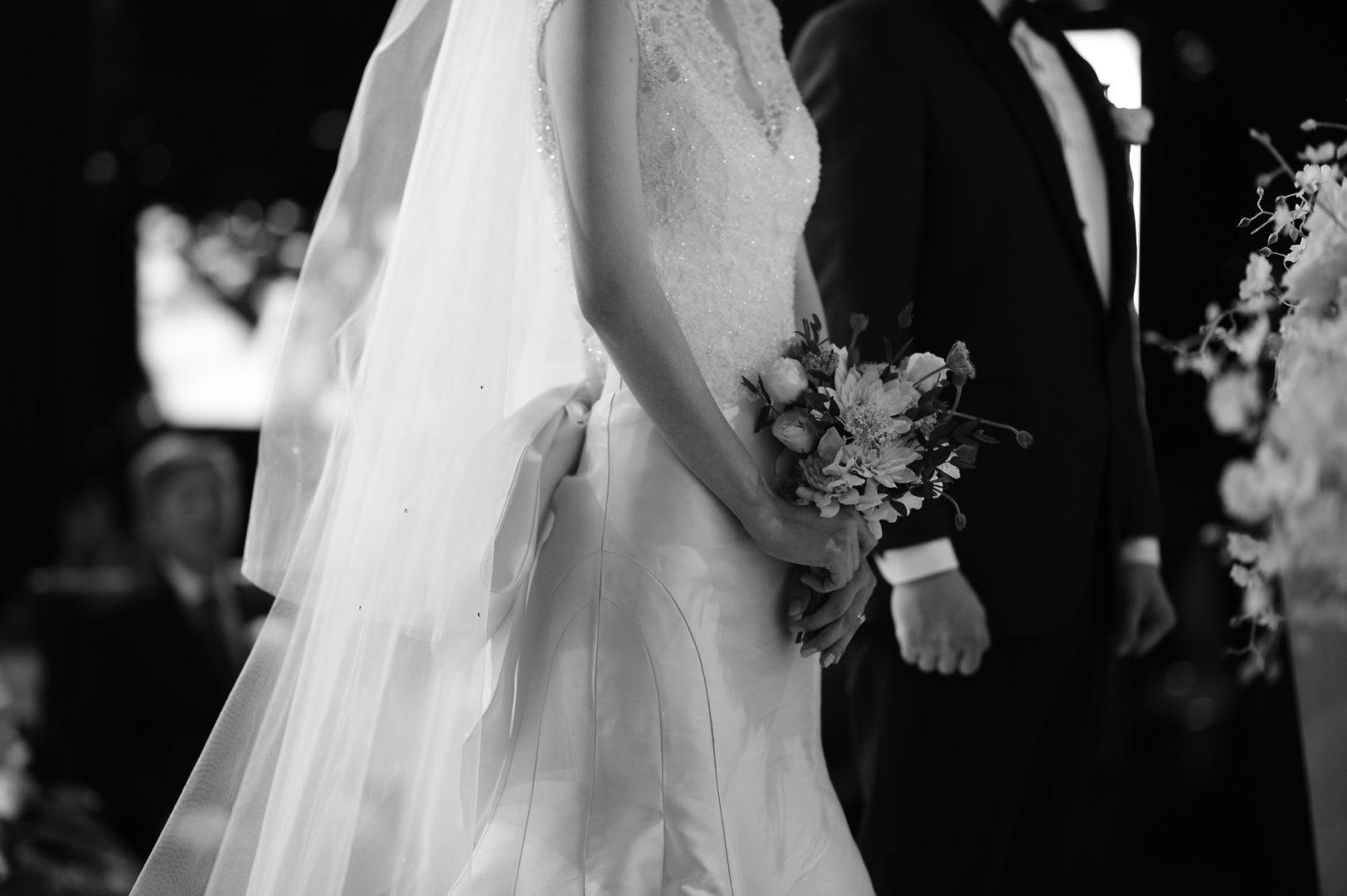 nyc-wedding-cruise-wedding-picture-of-couple